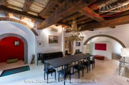 Appartamento in Vendita - Piazza in Piscinula, 00153 Roma RM, Italia